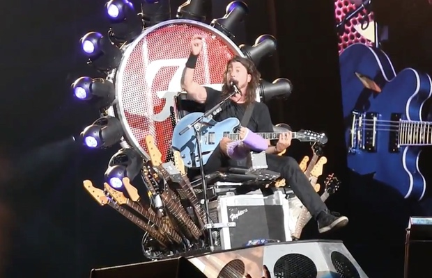 Dave_Grohl_THrone_620_x_400